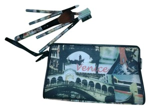 frankie and jonnie Frankie &Jonnie venice make up bag