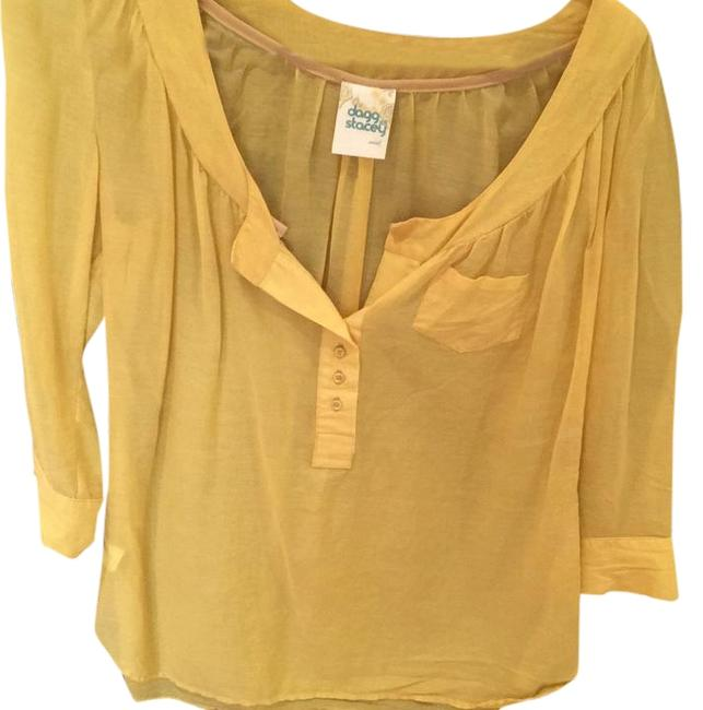 Preload https://img-static.tradesy.com/item/22339813/yellow-blouse-size-4-s-0-1-650-650.jpg