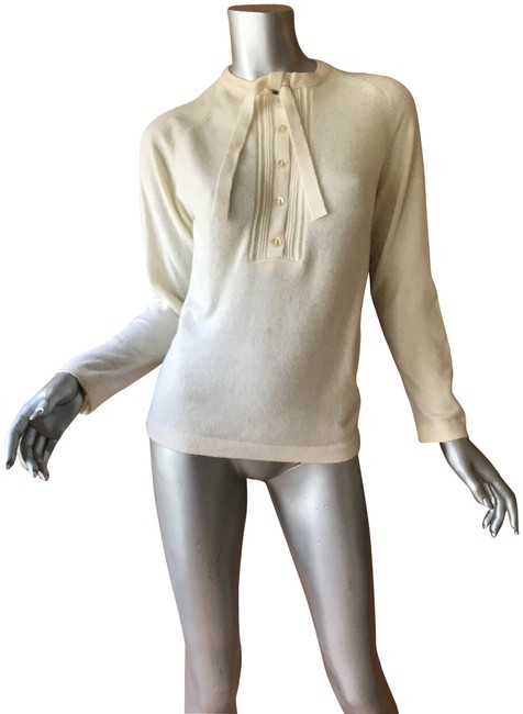 Preload https://img-static.tradesy.com/item/22339948/cream-cashmere-sweaterpullover-size-4-s-0-2-650-650.jpg