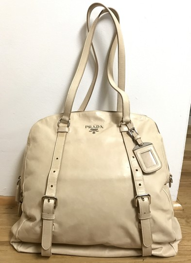 Preload https://img-static.tradesy.com/item/22339966/prada-new-look-dome-shopping-beige-super-soft-leather-tote-0-0-540-540.jpg