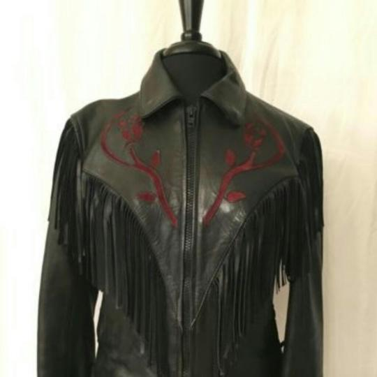 Preload https://img-static.tradesy.com/item/22340144/black-with-red-rose-design-jacket-0-1-540-540.jpg