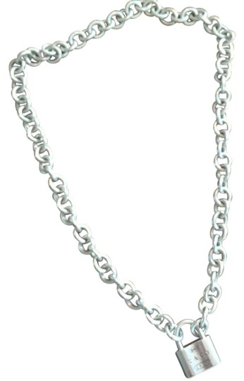 Preload https://img-static.tradesy.com/item/22340229/tiffany-and-co-silver-lock-choker-necklace-0-1-540-540.jpg
