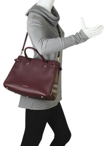 c60095fe5da3 Burberry Banner Bag - Up to 70% off at Tradesy