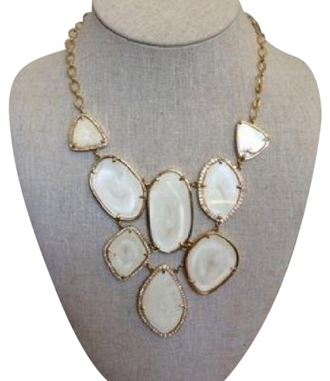 Preload https://img-static.tradesy.com/item/22340764/stella-and-dot-ivorygold-fiona-bib-necklace-0-2-540-540.jpg