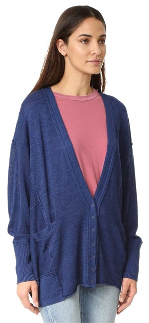 Preload https://img-static.tradesy.com/item/22340786/free-people-navy-over-days-like-this-cardigan-size-18-xl-plus-0x-0-1-650-650.jpg