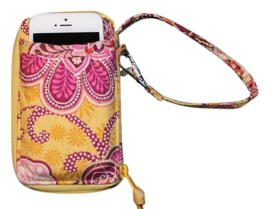 Preload https://img-static.tradesy.com/item/22341224/vera-bradley-bali-gold-iphone-wristlet-wallet-0-1-540-540.jpg