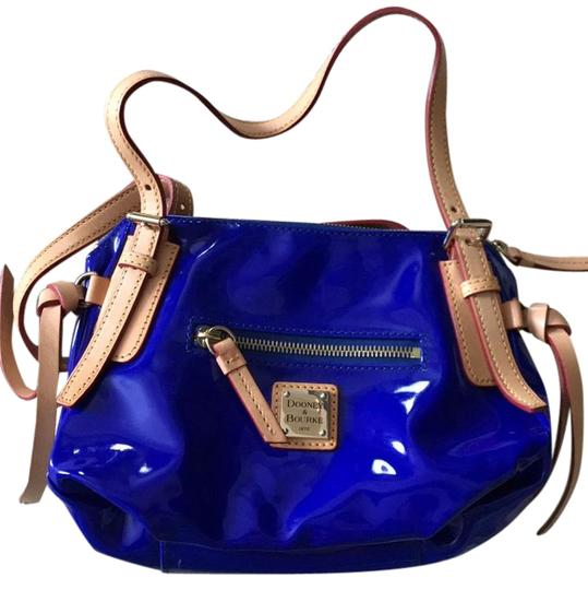 Preload https://img-static.tradesy.com/item/22341319/dooney-and-bourke-small-nina-blue-pvc-with-vachetta-leather-trim-cross-body-bag-0-1-540-540.jpg