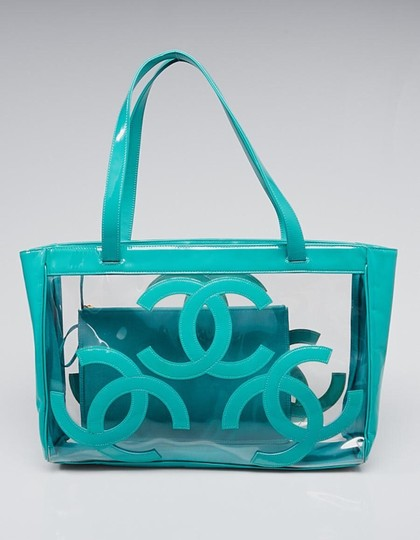 Preload https://img-static.tradesy.com/item/22341326/chanel-cc-beach-green-patent-leather-and-vinyl-tote-0-0-540-540.jpg