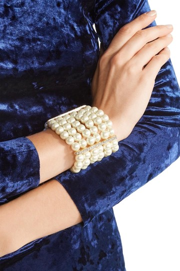 Preload https://img-static.tradesy.com/item/22341362/kenneth-jay-lane-whitegold-faux-pearl-crystal-and-gold-plated-bracelet-0-3-540-540.jpg
