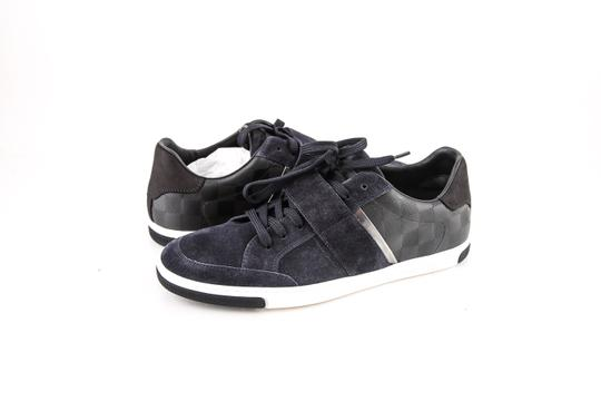Preload https://img-static.tradesy.com/item/22341727/louis-vuitton-cover-marine-sneakers-shoes-0-0-540-540.jpg