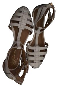 Report Signature Cage Flats Leather White Sandals