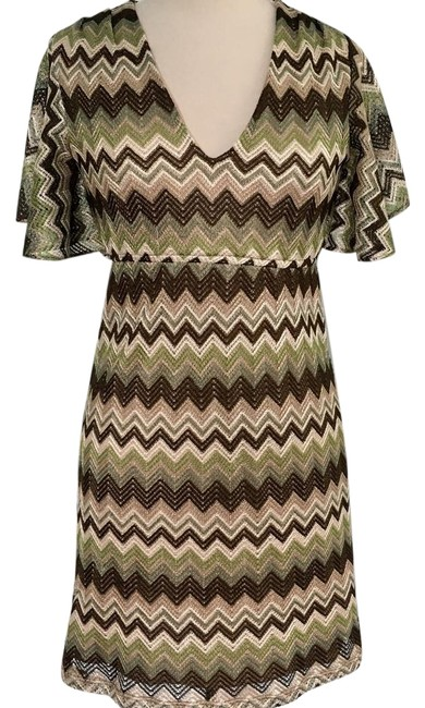 Preload https://img-static.tradesy.com/item/22342235/judith-march-green-zig-zag-chevron-print-flutter-sleeve-short-casual-dress-size-6-s-0-2-650-650.jpg