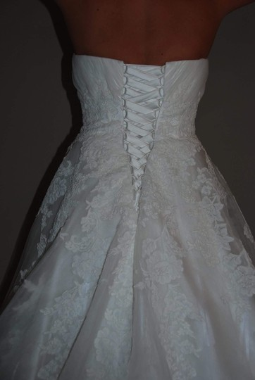 Pronovias Ivory Tulle Lace Toscana Traditional Wedding Dress Size 6 (S)