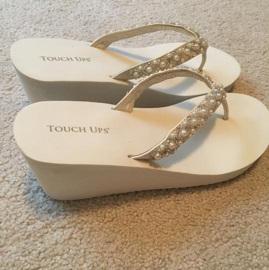 c182fe44018256 Touch Ups White Shelly Wedges Size US 9 Regular (M