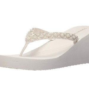 Touch Ups White Shelly Wedges Size US 9 Regular (M, B)