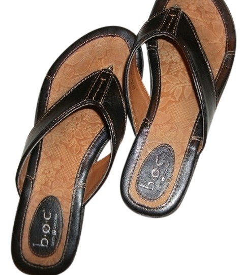 B.O.C. born conceptions Thong Sandal Size 8 brown Flats