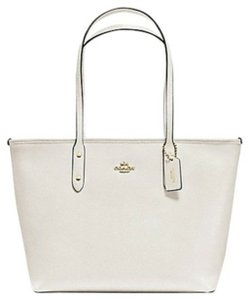 Coach Zip Top Tote in Chalk/white