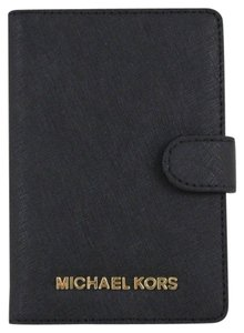 Michael Kors Michael Kors Jet Set travel Leather Passport Case Wallet in Luggage