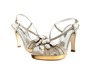 Gianni Bini Strappy Crystal Heels Formal Size 6 Gold Sandals