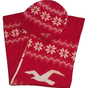 Hollister Cozy Hollister Reversible Wrap Scarf matching Knit Hat