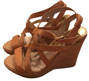 MICHAEL Michael Kors Leather taupe Wedges