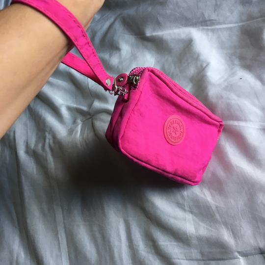 Seeingly Wristlet in pink Image 4