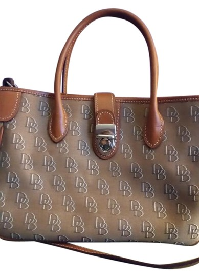 Preload https://img-static.tradesy.com/item/22348190/dooney-and-bourke-shadow-db-small-double-handle-tote-brown-canvas-satchel-0-1-540-540.jpg