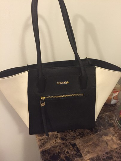 Calvin Klein Tote in Black & white