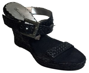 Beverly Feldman Sandal Raffia Size 7 Rhinestone Buckle High Fashion Black Wedges