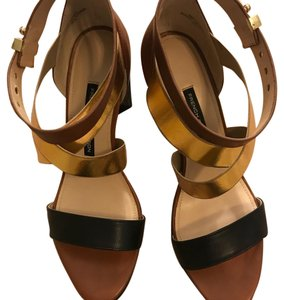 French Connection brown black gold Pumps