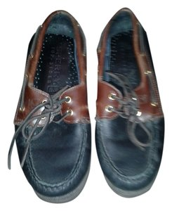 Sperry brown/black Flats