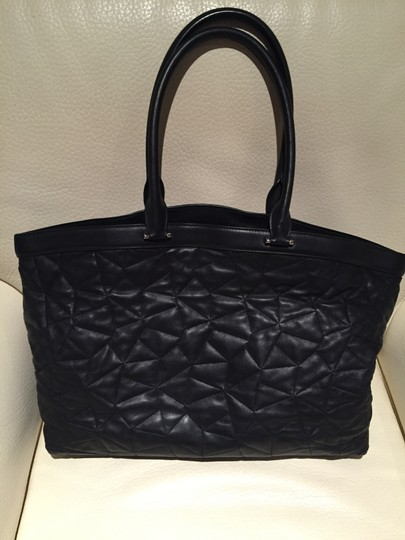 Akris Quilted Calfskin Leather Tote in Black