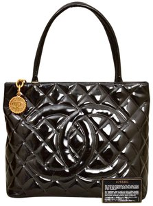 Chanel Quilted Caviar Patent Leather Satchel in Black