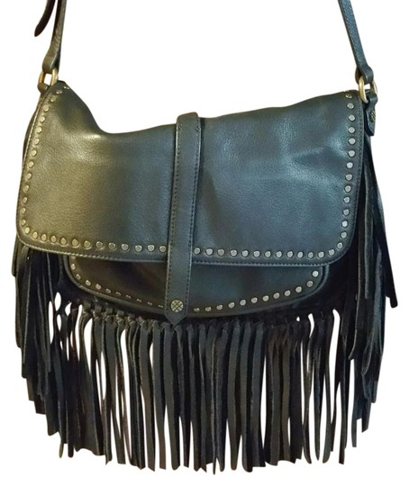 Preload https://img-static.tradesy.com/item/22351090/joelle-hawkens-by-treesje-fringe-black-leather-cross-body-bag-0-1-540-540.jpg