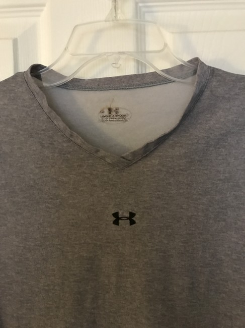 Under Armour V-Neck Stretchy Heat Gear Image 3