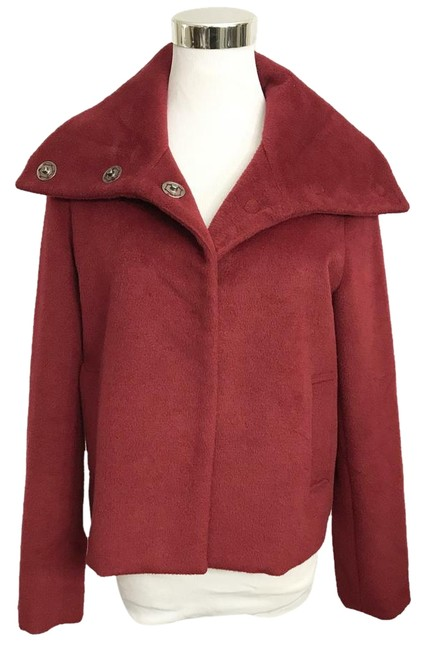 Preload https://img-static.tradesy.com/item/22357235/burgundy-cranberry-red-cropped-funnel-neck-hidden-snaps-size-4-s-0-1-650-650.jpg
