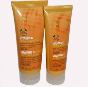 The Body Shop [RESERVED FOR GLADYS] The Body Shop VITAMIN C LINE: Facial Cleansing Polish 100mL/Microdermabrasion 75mL