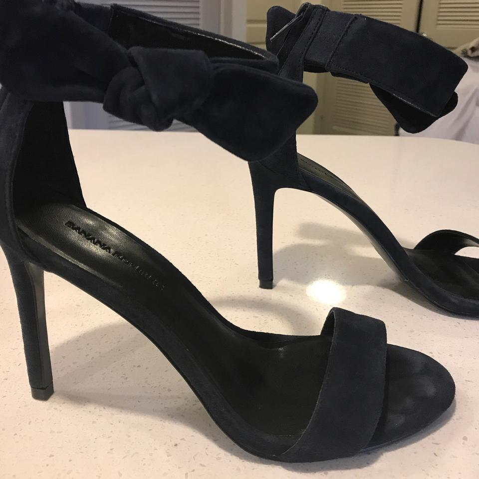 b72b0388768f Banana Republic Navy Stiletto Formal Shoes Size US 6 Regular (M