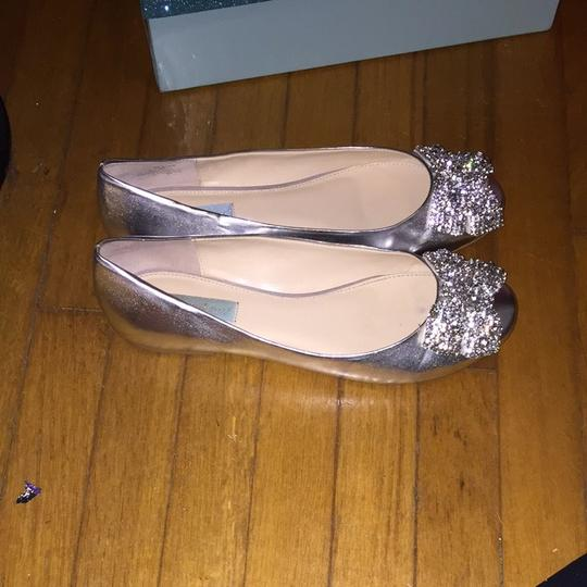 Betsey Johnson Silver Flats Rhinestone Bow Blue Soles Formal Size US 9 Regular (M, B)