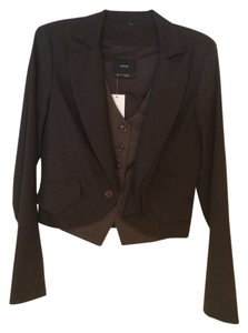 Identify Brown Blazer