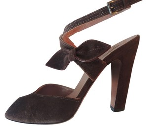 ALAÏA Suede Criss Cross Bow Heels Alaia Brown Sandals