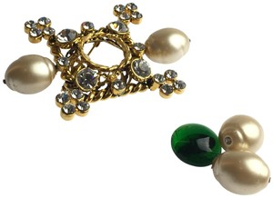 Chanel Gripoix Imitation Pearl Brooch *NEEDS REPAIR*