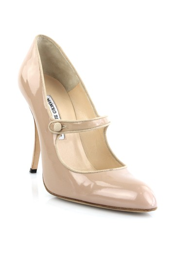 Manolo Blahnik Patent Patent Leather Mary Jane Nude Pumps