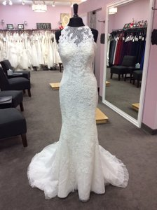 Pronovias Off White Lace Jensen Feminine Wedding Dress Size 10 (M)