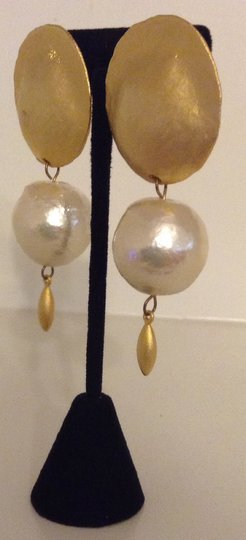 Accessory Lady Gold with Accent Drop Clip Earring