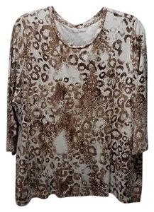 Studio Works Plus-size Crew Neck Quarter Sleeve White/Brown Top White and Brown