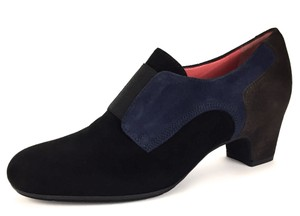 Pas de Rouge Comfortable Business Casual Travel Suede Black Pumps
