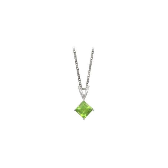 Preload https://img-static.tradesy.com/item/22372627/green-silver-square-cut-peridot-pendant-sterling-1cttw-necklace-0-0-540-540.jpg