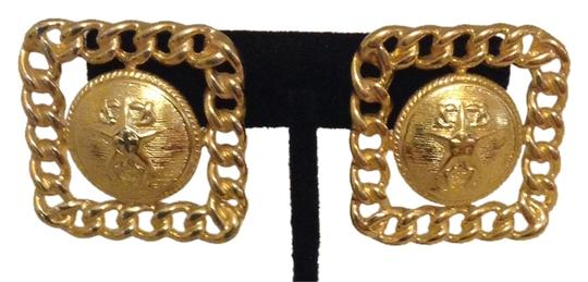 Preload https://item5.tradesy.com/images/gold-decrative-square-pierced-earrings-2237304-0-0.jpg?width=440&height=440