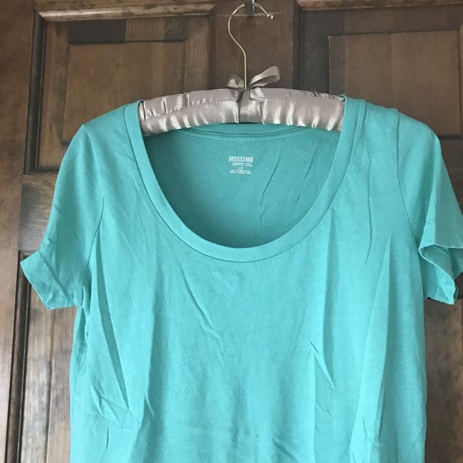 Mossimo Supply Co. Rounded Neckline Sleeve Cotton/Polyester Machine Washable T Shirt Green Image 1